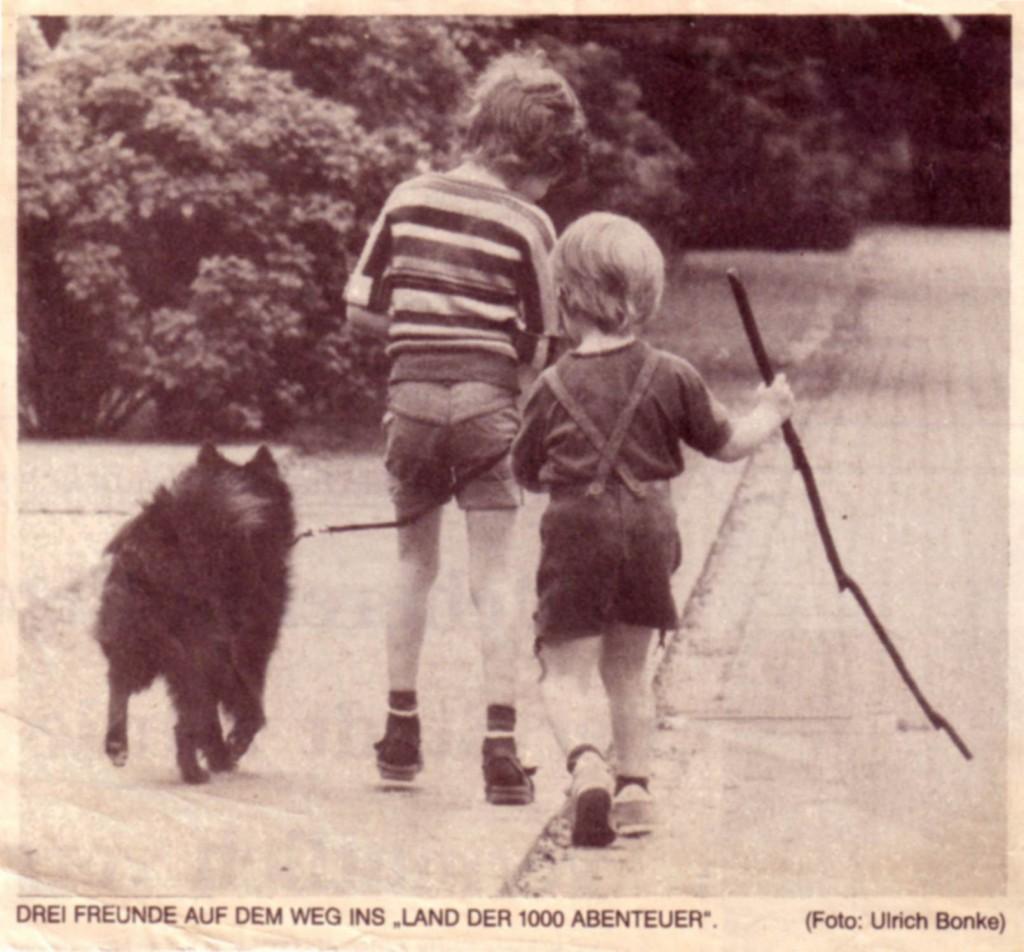 Drei Freunde auf dem Weg ins Land der 1000 Abenteuer (Meine beiden Söhne und die Spitze waren ein beliebtes Motiv für die Zeitung)